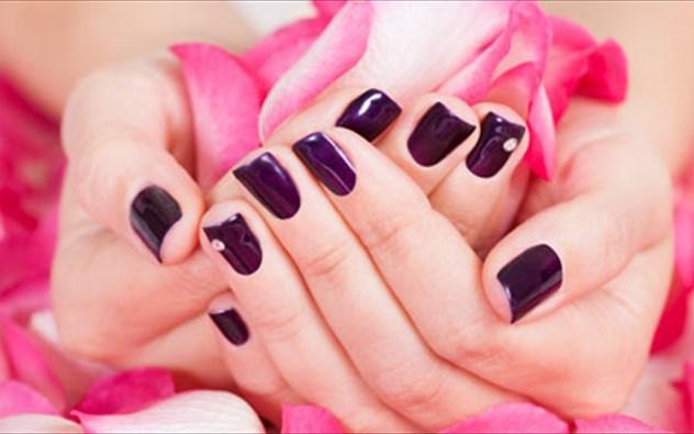Χερια-και-νυχια-Γρηγορη-ενυδατωση-www.beauty-secrets.gr
