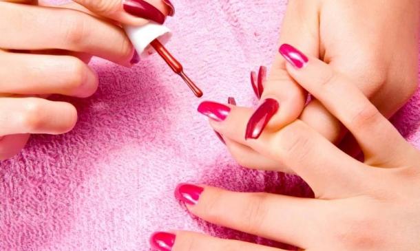 Ημιμόνιμο-θερμικό-μανό-για-μανικιούρ-και-πεντικιούρ!-www.beauty-secrets.gr