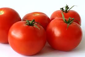 Χυμός-ντομάτας-για-σκασμένες-φτέρνες