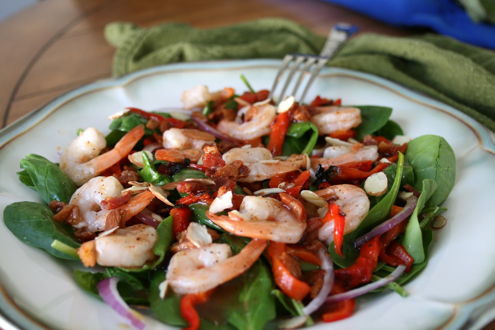 salata-spanaki-me-garides