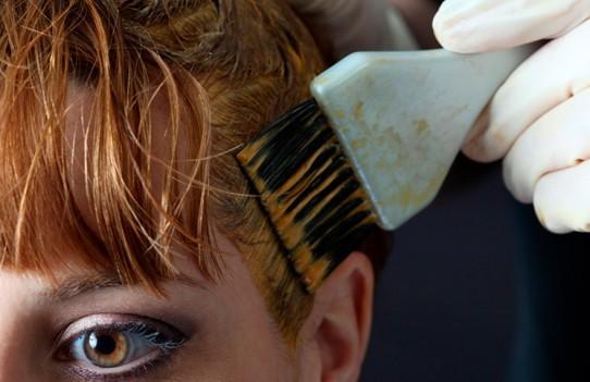 Βάψτε μόνες σας τα μαλλιά σωστά!