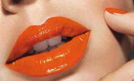 Κάνε τα χείλη σου να φαίνονται μεγαλύτερα!