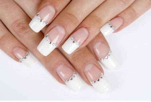 Πολυτέλεια και girly διάθεση στα crystal nails