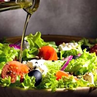Ένα αρωματικό λάδι για «σπέσιαλ» σαλάτες(1)