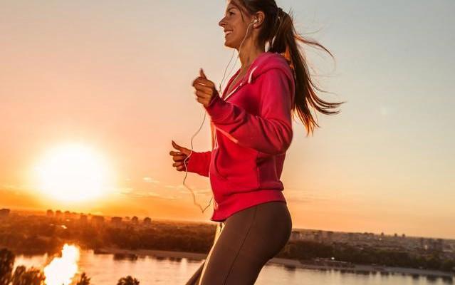 Κάψε 200 θερμίδες σε 30 λεπτά με βάδισμα