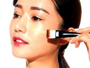 epidermida-pou-gyalizi-meta-apo-ti-chrisi-make-up