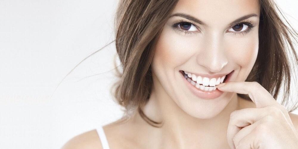 όμορφο χαμόγελο-www.beauty-secrets.gr