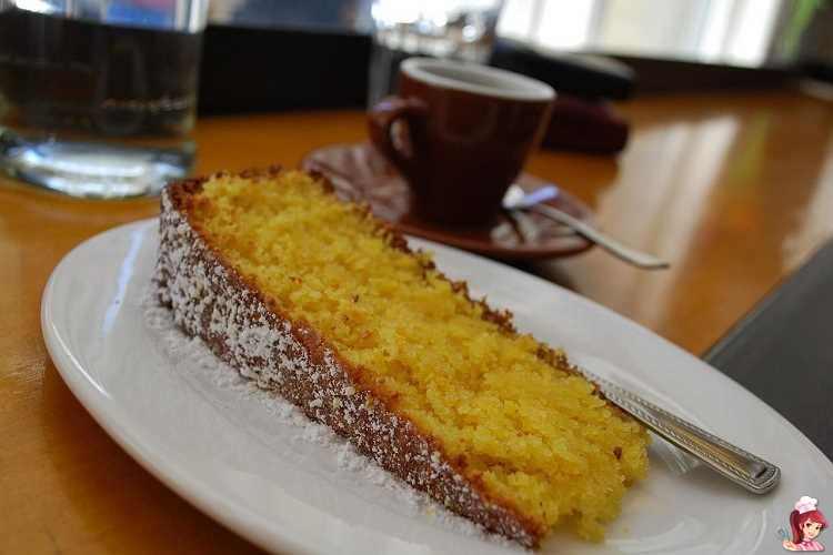 Κέικ πολέντας με λεμόνι