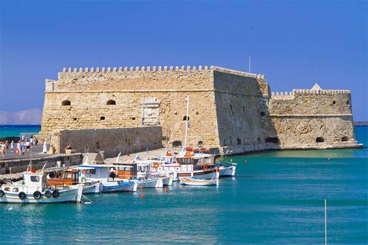 Κάντε ασφαλείς διακοπές στην Κρήτη με ένα ενοικιαζόμενο αυτοκίνητο!