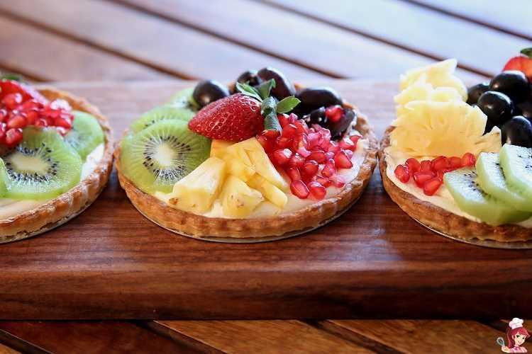 Ταρτάκια με κρεμά ζαχαροπλαστικής & φρέσκα φρούτα!