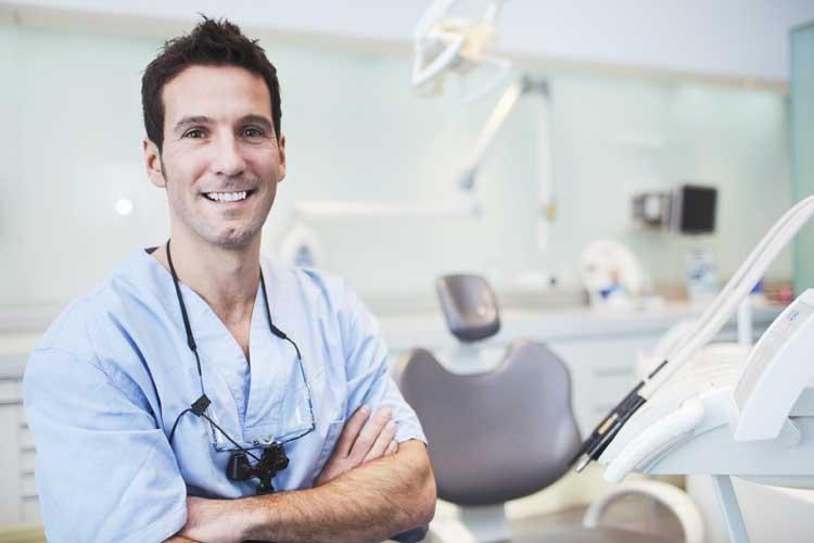 Κάντε καριέρα οδοντιάτρου στην Μεγάλη Βρετανία