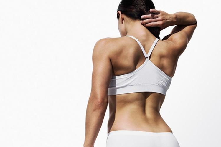 Κρύψε τις ατέλειες στο σώμα σου με το τρικ των ώμων!
