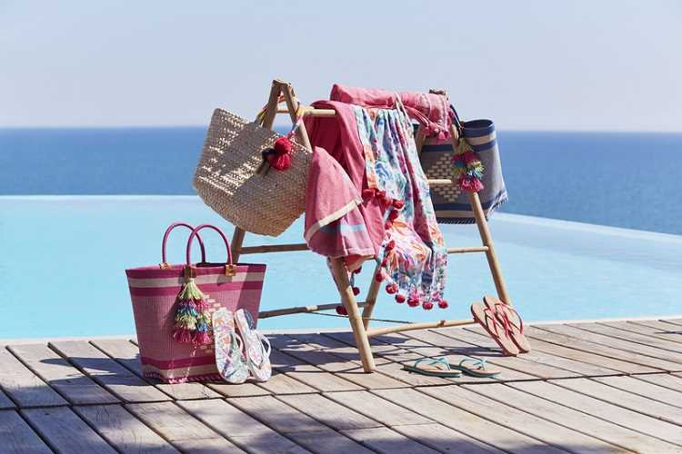 Οικονομικά ρούχα παραλίας & αξεσουάρ κάτω από 30 ευρώ