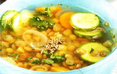 Φακές σούπα με κολοκυθάκια & κύμινο