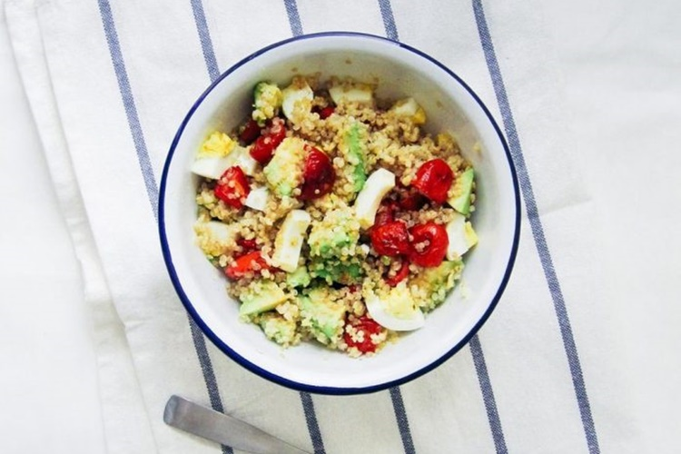 σαλάτα με κινόα