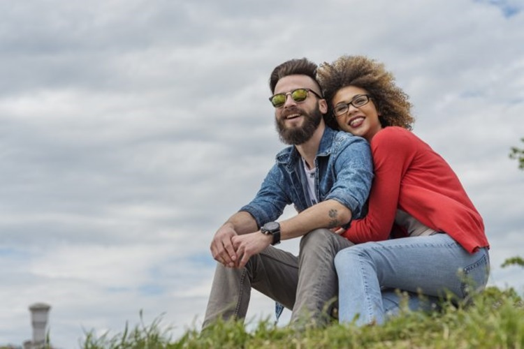 """5 στοιχεία που φανερώνουν ότι έχεις την """"τέλεια σχέση"""""""