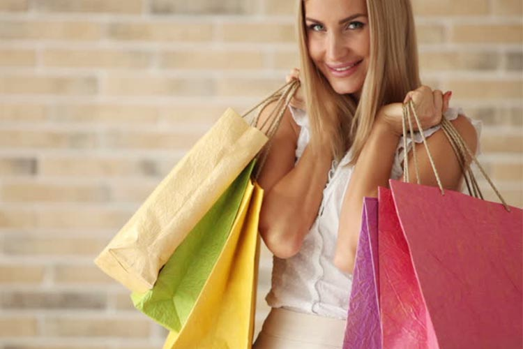 5 Λόγοι γιατί τα fashion e-shop είναι καλύτερα από τα φυσικά καταστήματα