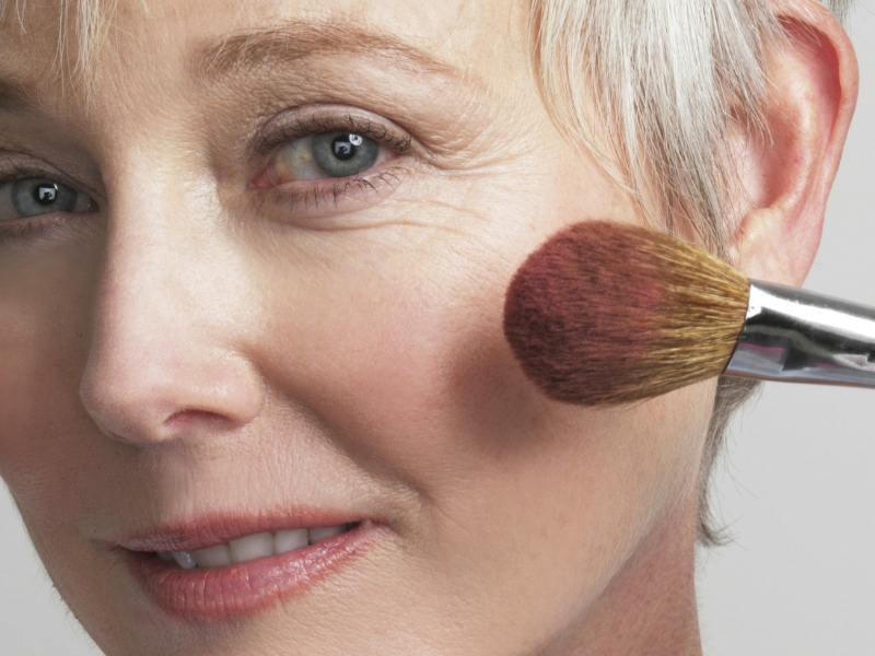 5 λάθη στο μακιγιάζ που σου προσθέτουν χρόνια