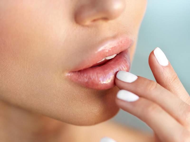 5 lip balm για σκασμένα χείλη για ενυδάτωση και θρέψη!