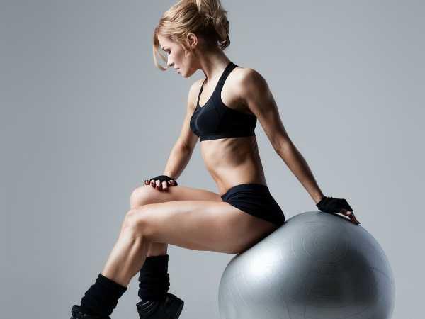 Ασκήσεις με μπάλα ισορροπίας για τέλειο σώμα!