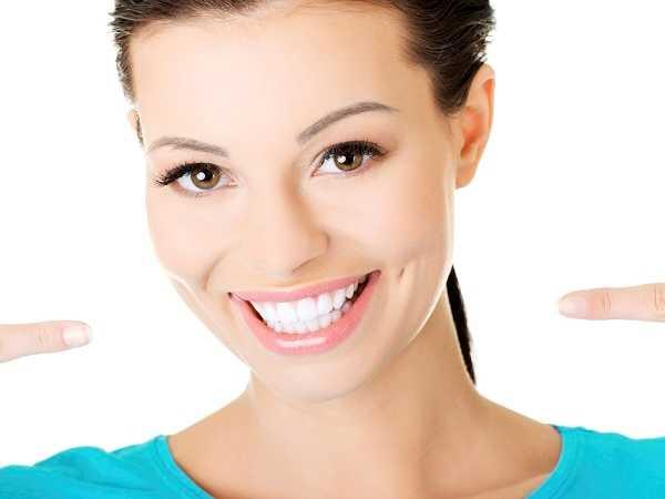 Απόκτησε λευκά δόντια χωρίς λεύκανση