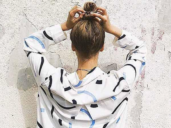 7 Κακές Συνήθειες Που Λαδώνουν Τα Μαλλιά!