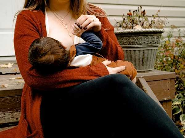 Μητρικός θηλασμός και πλεονεκτήματα:Μάθε ποια είναι αυτά!