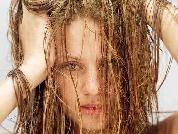 5 λόγοι που τα μαλλιά σου είναι λιπαρά!