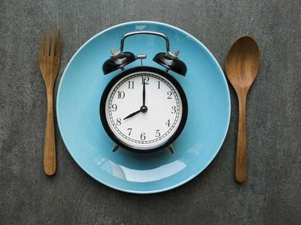Παχαίνει το φαγητό μετά τις 8:μ.μ; ΜΗΘΟΣ ή ΑΛΗΘΕΙΑ;