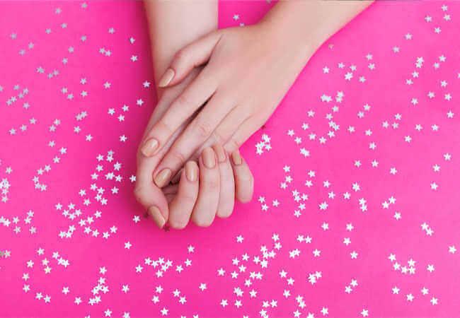 Ανοιξιάτικα νύχια: Οι 8 must αποχρώσεις που πρέπει να δοκιμάσεις!