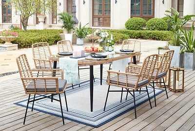 Προσθέστε ένα τραπέζι στο μπαλκόνι