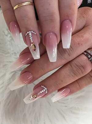 Κοσμήματα στα νύχια