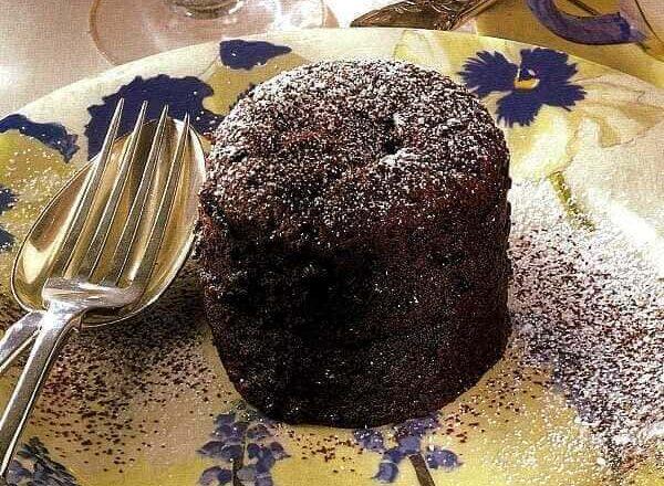 Διπλοψημένα κέικ σοκολάτας