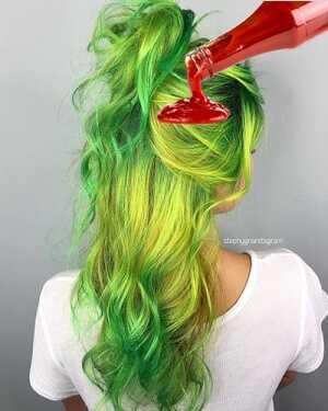 Ξανθά μαλλιά, με πράσινα σημάδια; Αφαιρέστε τα με κέτσαπ