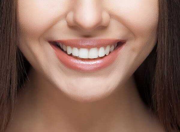 Τέλειο χαμόγελο με τις πιο εξελιγμένες οδοντιατρικές μεθόδους